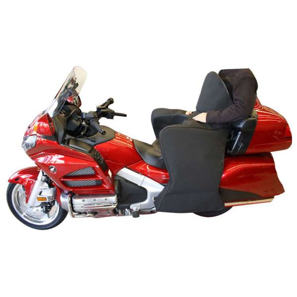 /home/sps-expert/goldwing.su/docs/media/kunena/attachments/2415/tablier-goldwing-depuis-2012-hiver-s6[1].jpg